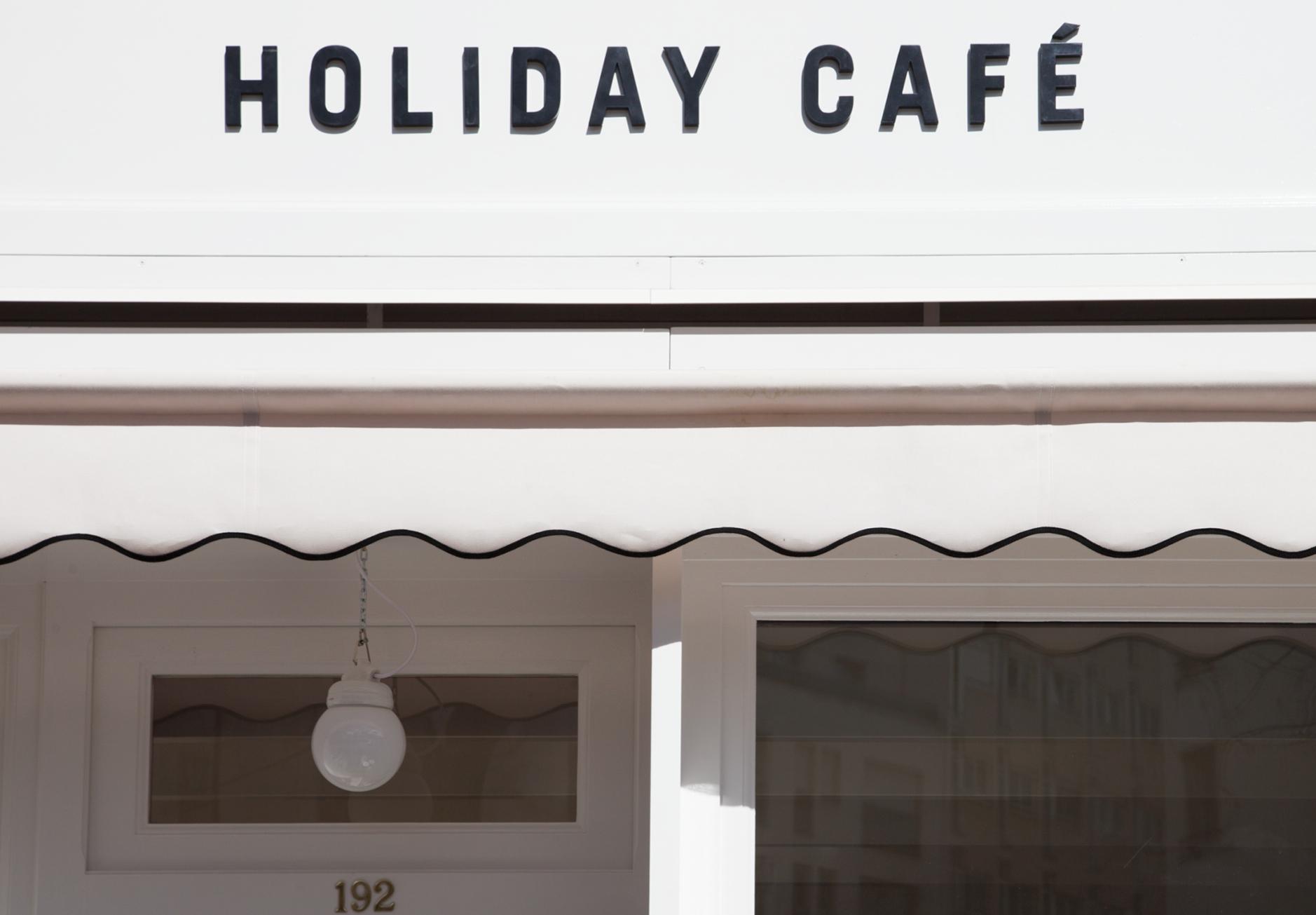 HOLIDAY CAFE